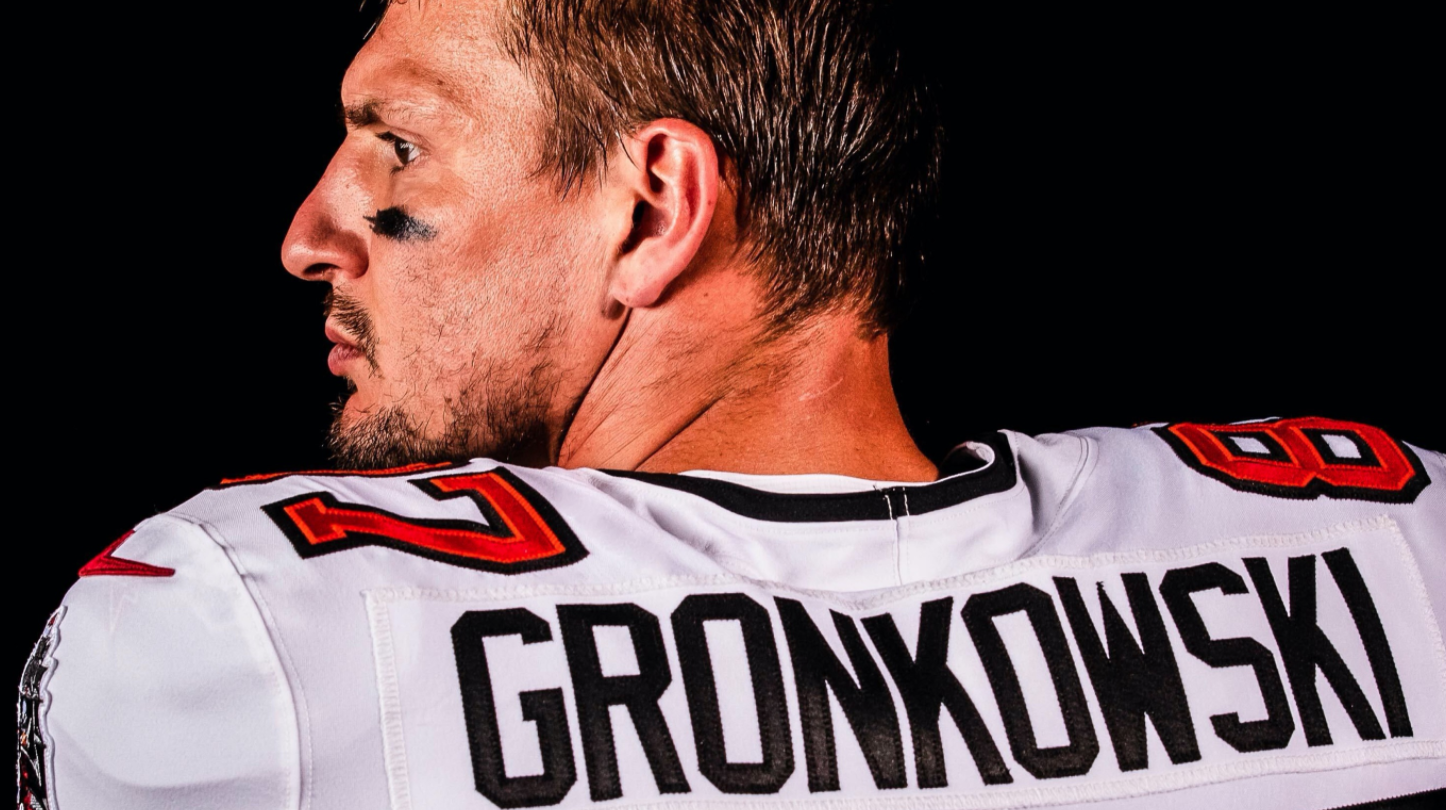 First Look Tampa Bay Buccaneers Reveal Images Of Rob Gronkowski In 2020 Team Kit Essentiallysports In 2020 Gronkowski Tampa Bay Buccaneers Rob Gronkowski