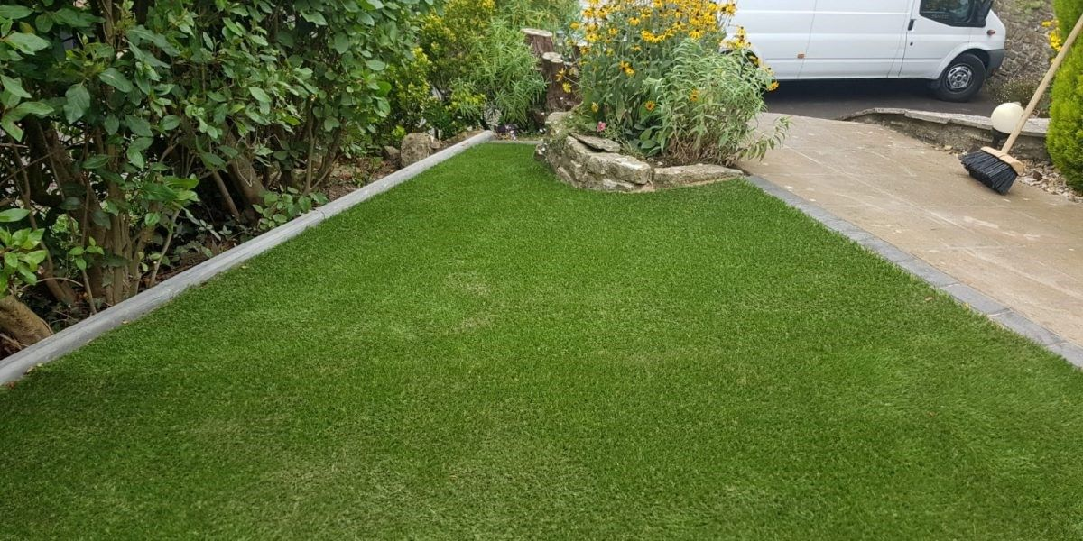 The Many Advantages Of Commercial Artificial Grass Installation Artificial Grass Installation Best Artificial Grass Lawn And Landscape