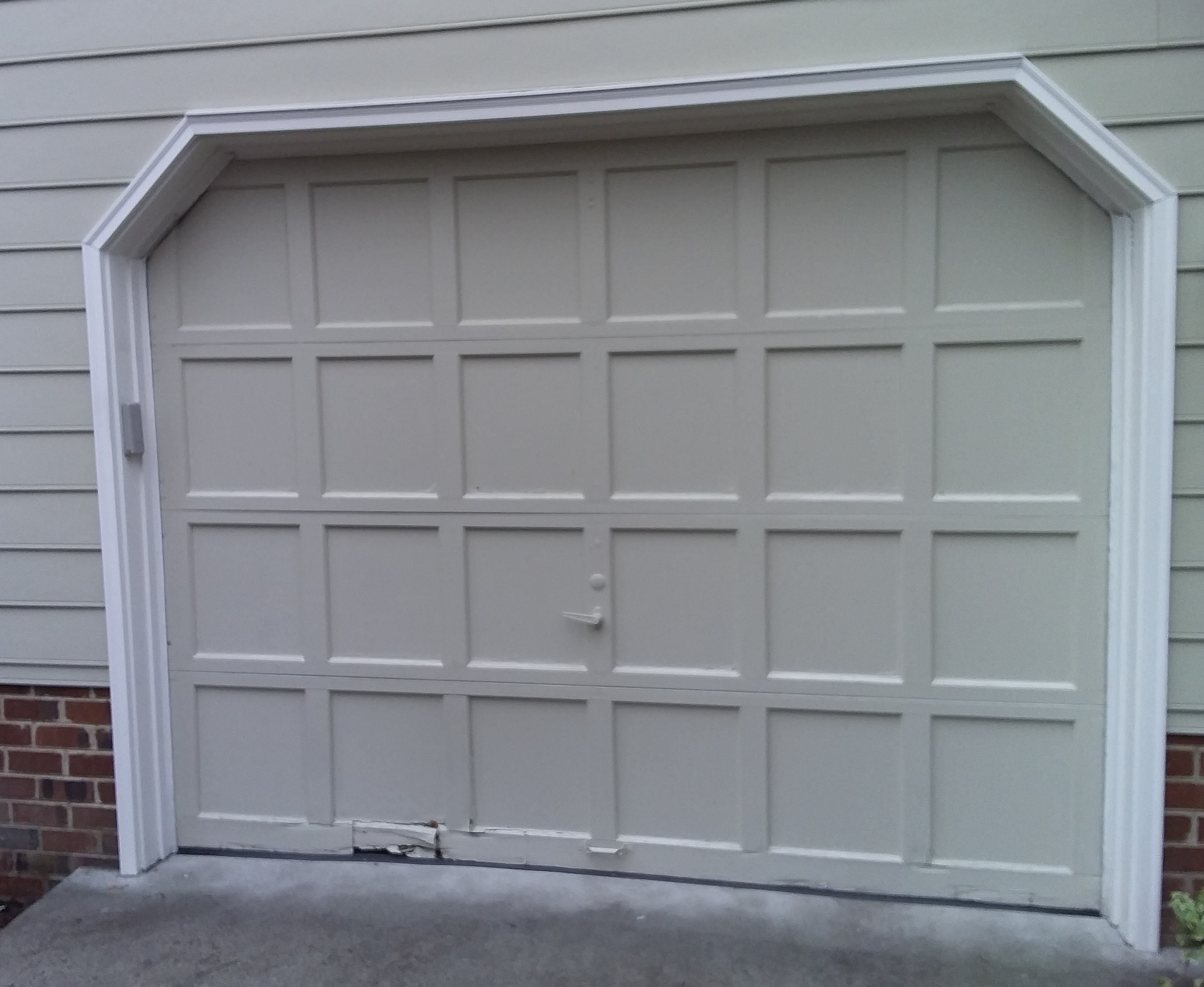 9x7 Model 2216 Raised Short Panel Garage Door Installed By The Richmond Store Teamappledoor Before After In 2020 Garage Doors Door Installation Garage Door Panels