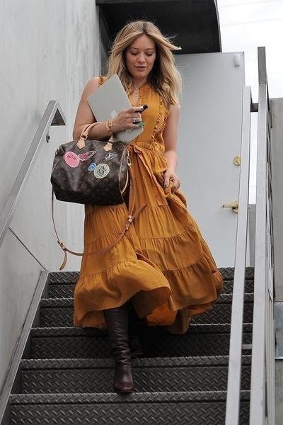 Hilary Duff Salon October 27 2016 Star Style Star Fashion Style Louis Vuitton Speedy Bandouliere