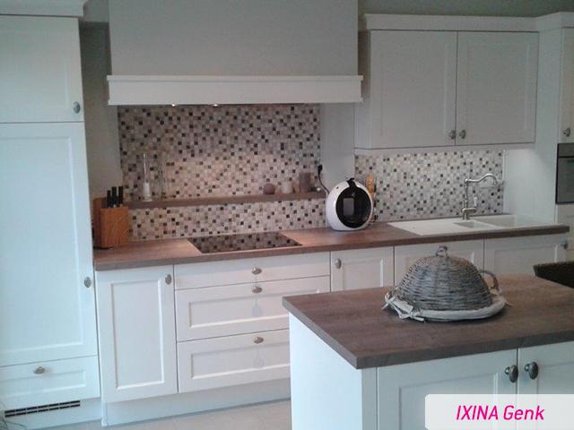 Witte Keuken Landelijk : Landelijke witte keuken realisatie van ixina genk cuisine