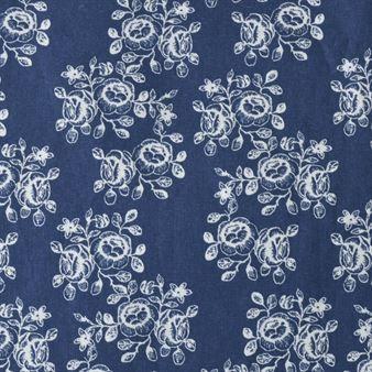 The Pretty Cecilia Flower Oilcloth Comes From The Swedish Brand Boel Fabric Scandinavian Design Centre Scandinavian Interior Scandinavian Interior Design