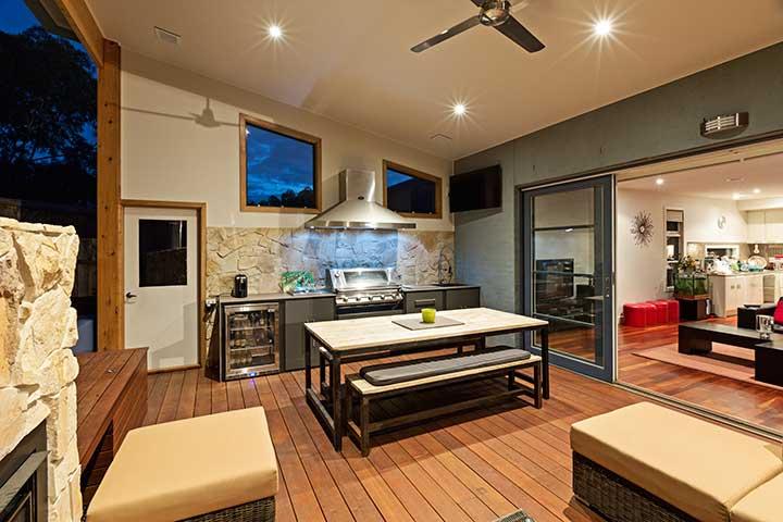 Beautiful Alfresco Space In Mcleod of Melbourne Alfresco