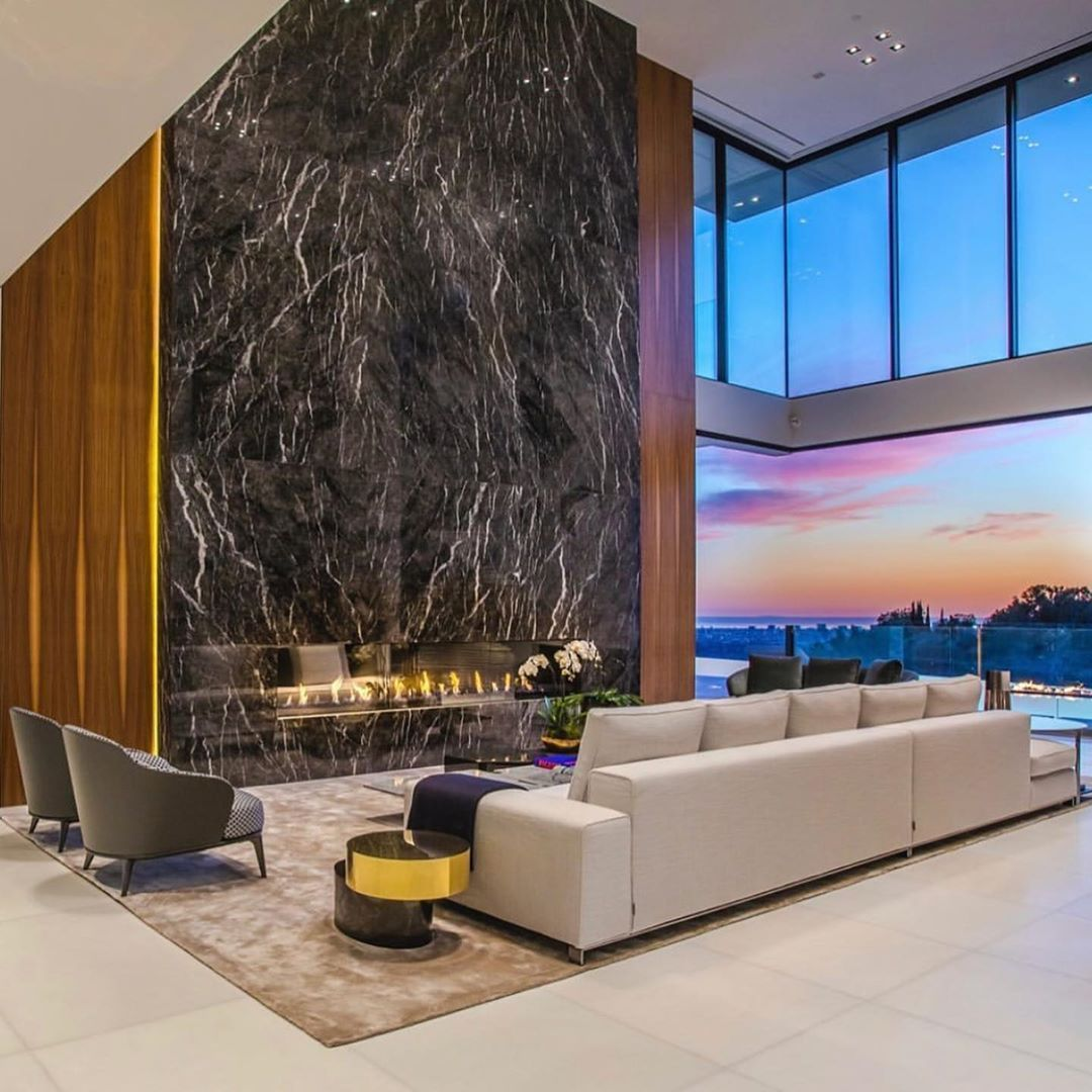 Mega Mansion In West Hollywood California Priced At 44 000 000 Rate 1 10 Mansio Billionaire Lifestyle Luxury Living Luxury Living Dream Living