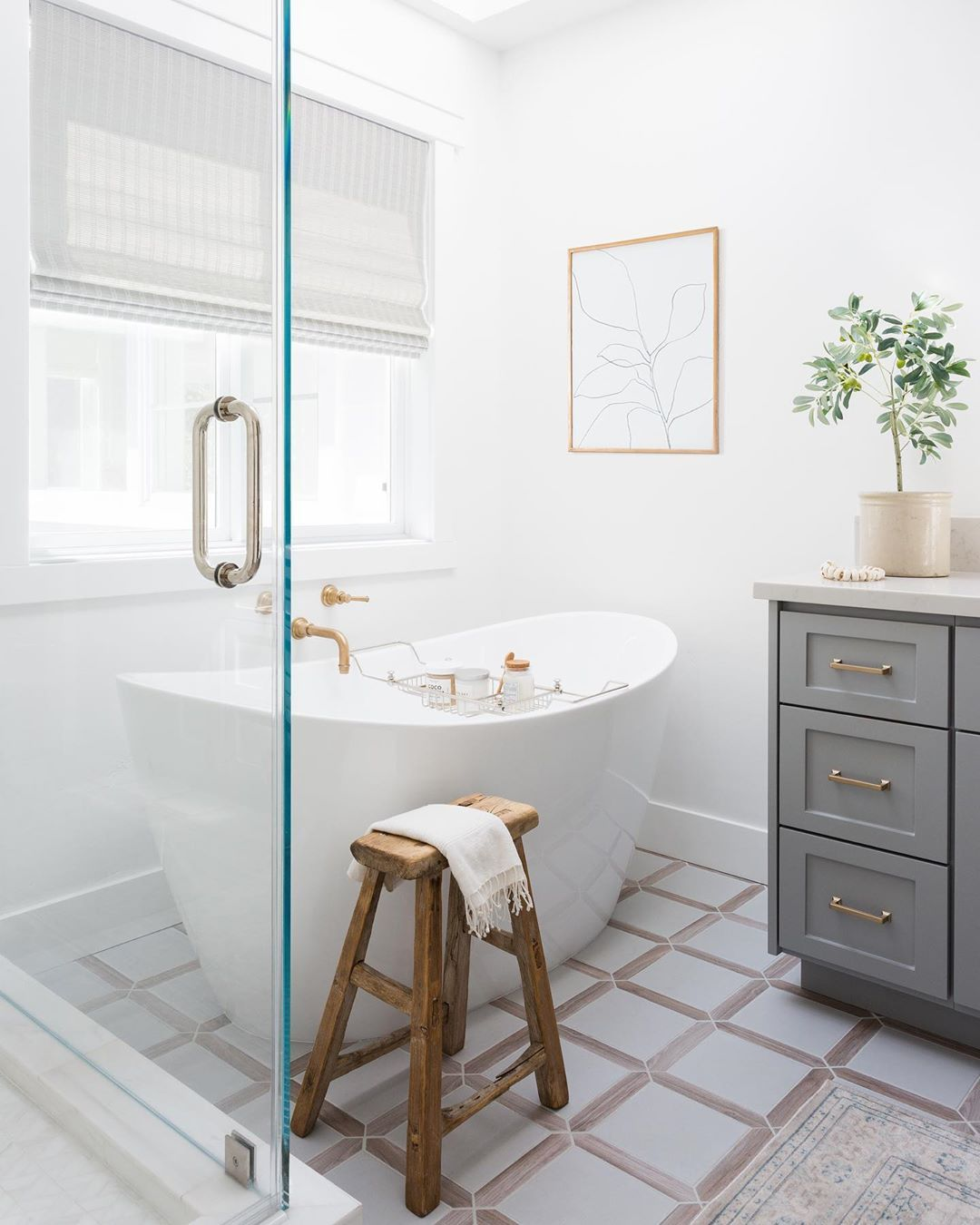 Eye For Pretty On Instagram You Guys Loved This Bathroom So Here Are Some More Angles How Many Of Us Wi In 2020 White Modern Kitchen Free Standing Tub White Kitchen