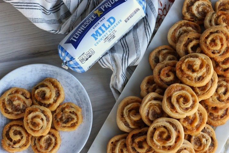Three Ingredient Sausage Cheddar Pinwheels These pinwheels are perfect for breakfast, appetizers or just a fun meal for your family. Only three ingredients and can be made ahead and frozen. Perfect for entertaining! Find the easy recipe at