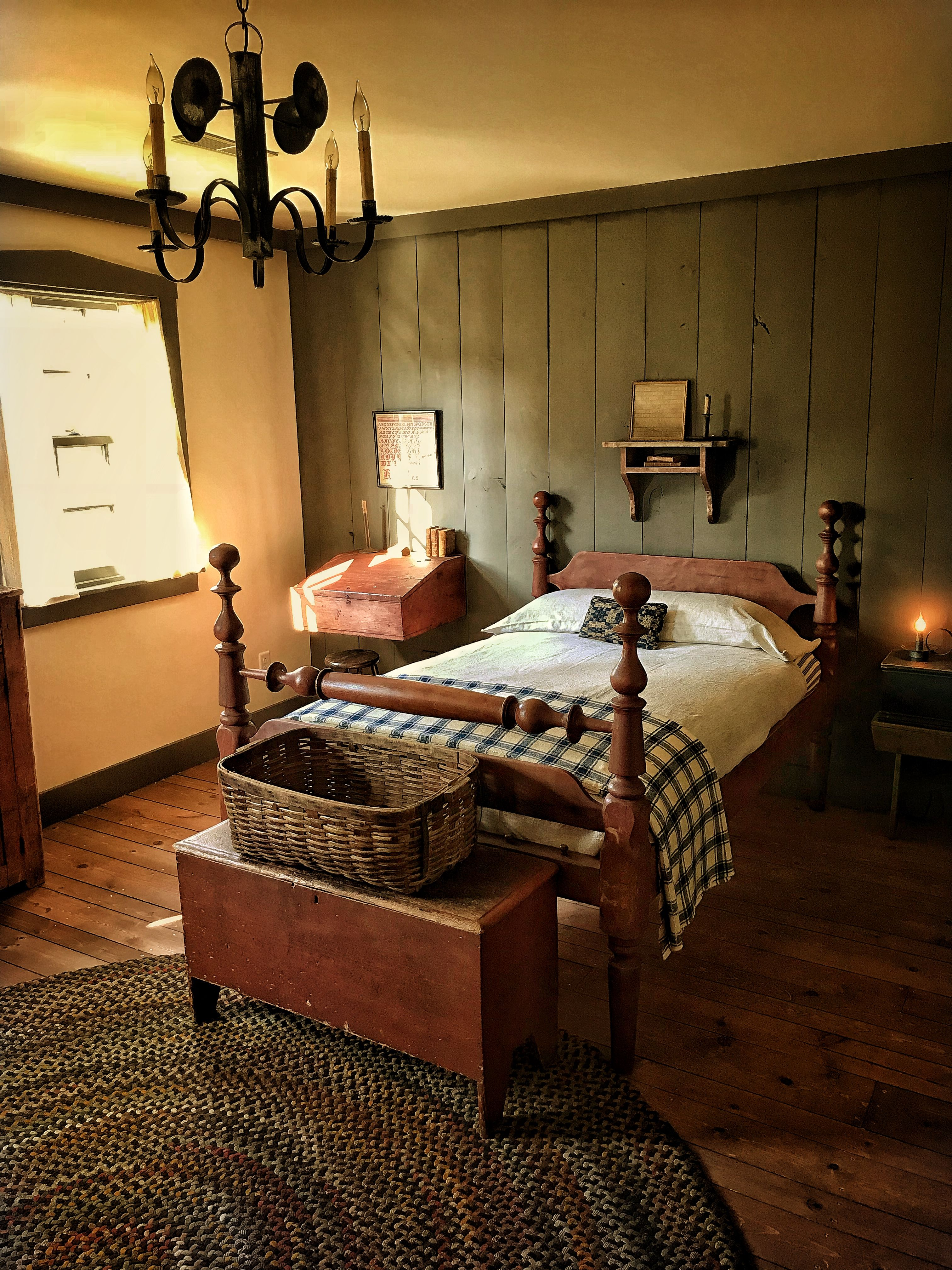 Early Rope Bed Country House Decor Primitive Bedroom