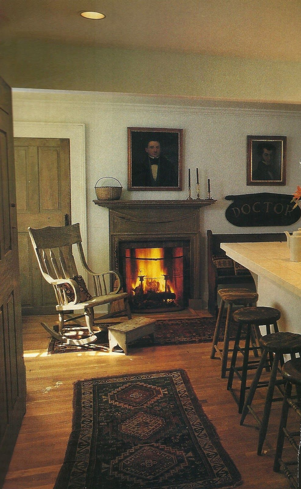 Pin By Georgia Belle On Come Sit By The Fire Primitive Homes Colonial Decor Colonial House