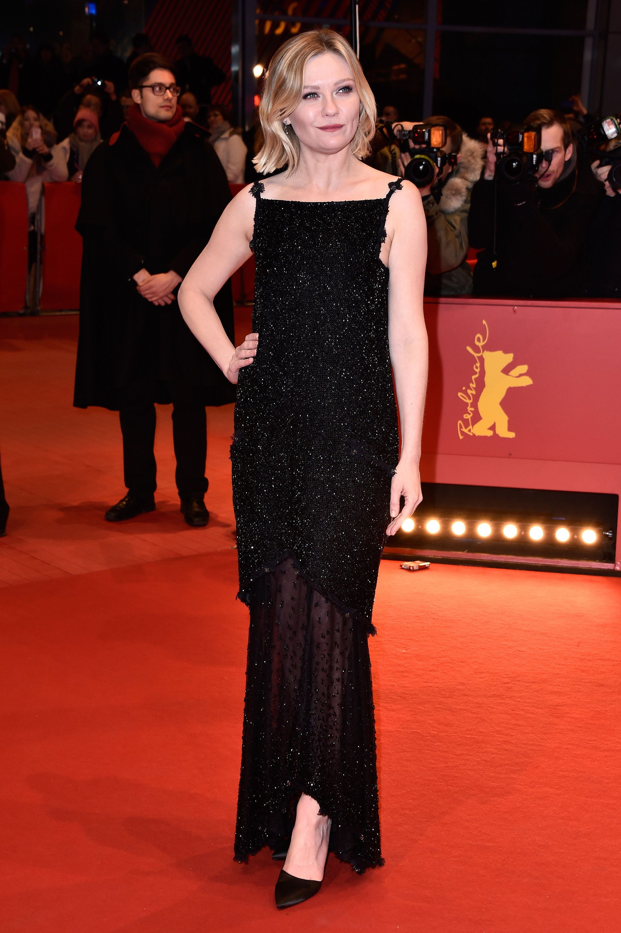 Kirsten Dunst Has The Glam Girl Moment That You Never Saw Coming Black Sparkly Dress Kirsten Dunst Dresses
