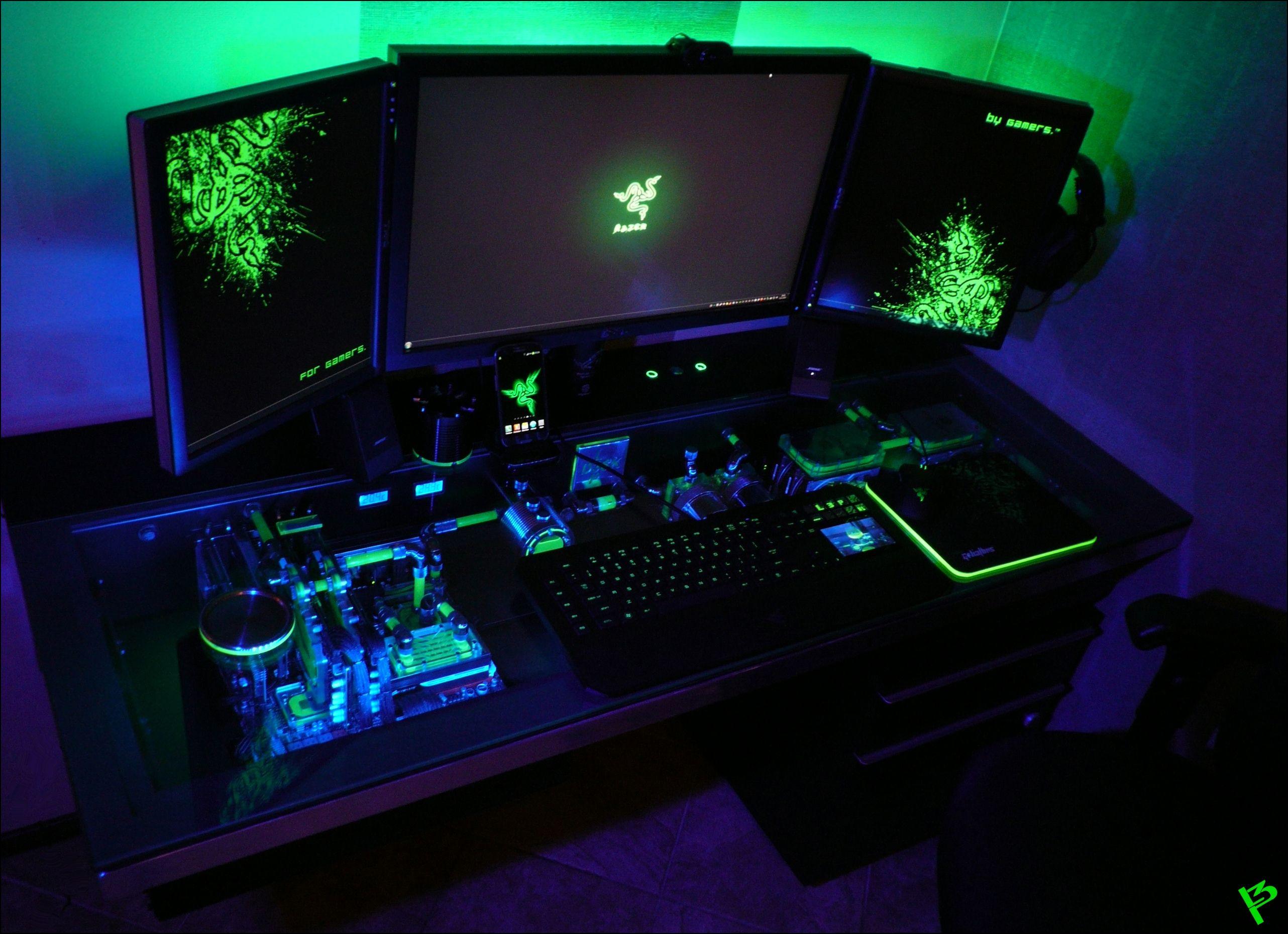 Battlestation computer built in to desk gaming nerd for Gaming pc tisch