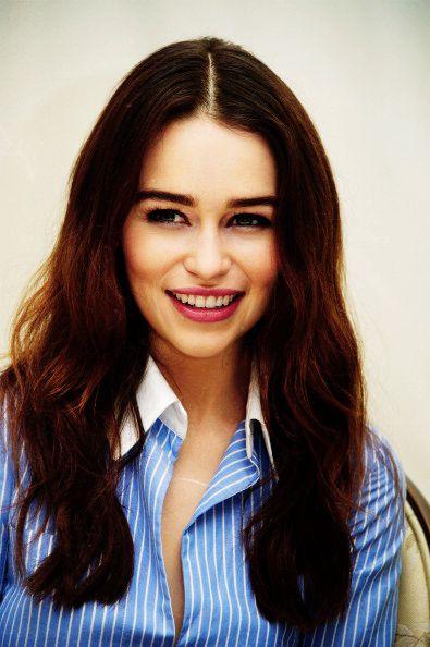 Emilia Clarke aka Daenerys Targaryen. DEAR GOD......