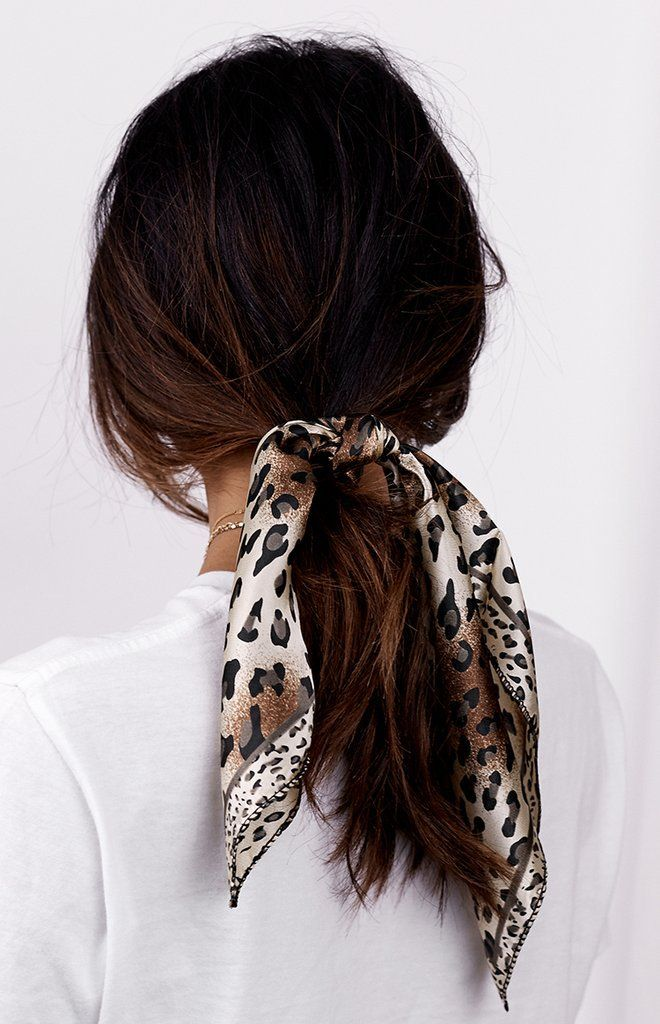 Hair accessory | Scarf | Hair scarf | Inspiration | M ore on Fashionchick #hairaccessories