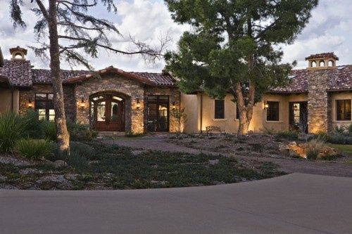 One story ranch love the long one story ranch style for Long ranch style house plans