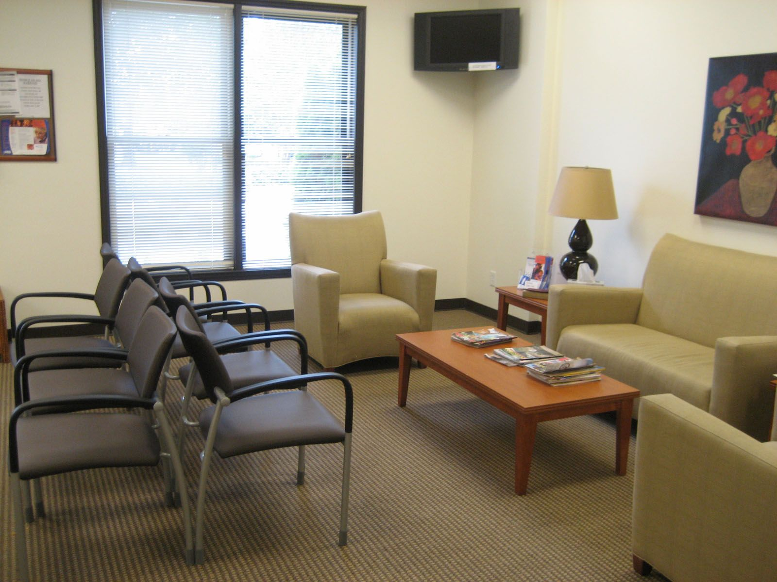 trending post now modern office waiting room ideas 2 waiting room rh pinterest com