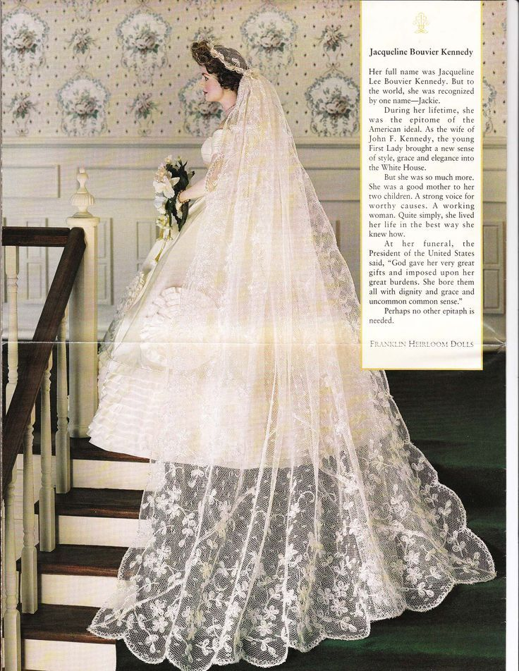 I Ve Never Seen The Train Of Jackie Kennedy S Veil It S The Only Part Of Her Outfit That I Jackie Kennedy Wedding Kennedy Wedding Dress Wedding Gowns Vintage