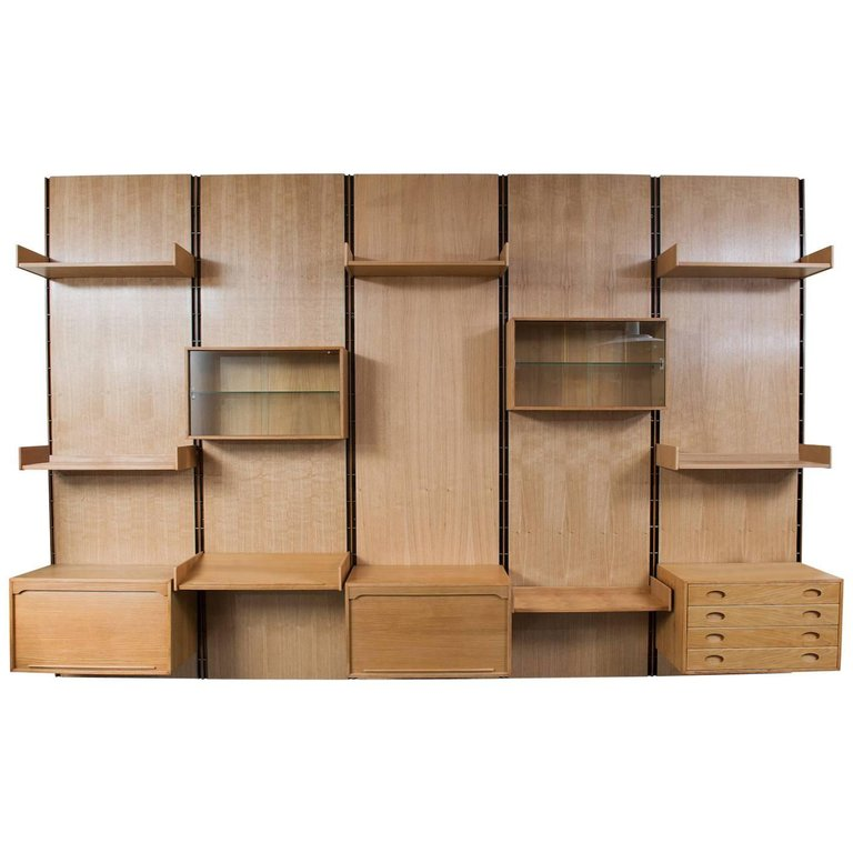 Large Gianfranco Frattini Oak Free Standing Wall Unit Bookcase For