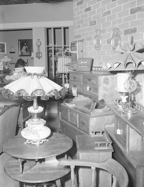 I Love Lucy Furniture Store Set Lucy Gets Chummy With The