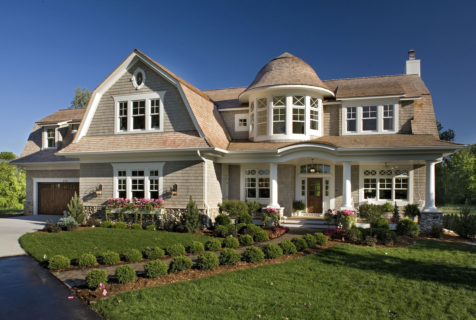 Plan 20095ga Spectacular Home For The Large Family Traditional House Plans House Plans House Floor Plans