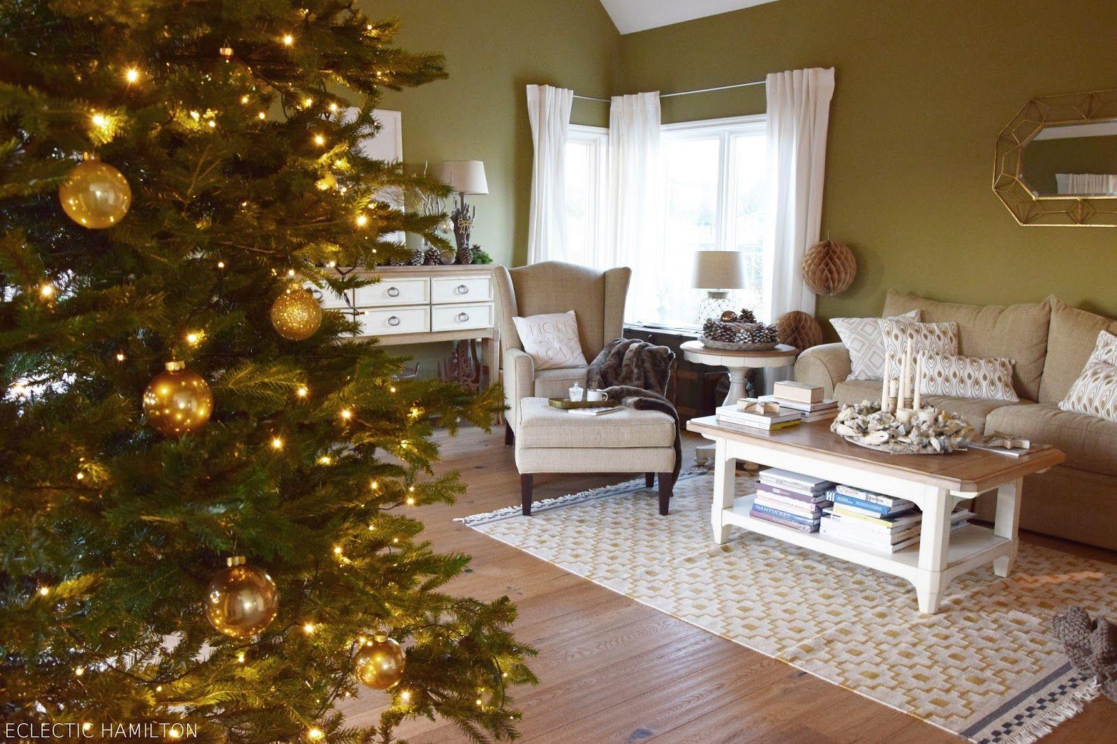 Wie Kann Ich Mein Wohnzimmer Weihnachtlich Dekorieren Hamilton, New Home  Essentials, Ceilings, Christmas