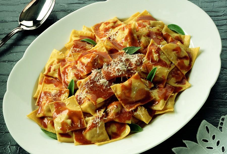 Ricetta Ravioli Con Ripieno Di Vitello Arrosto La Cucina Italiana Ricetta Ricette Cibo Etnico Ravioli
