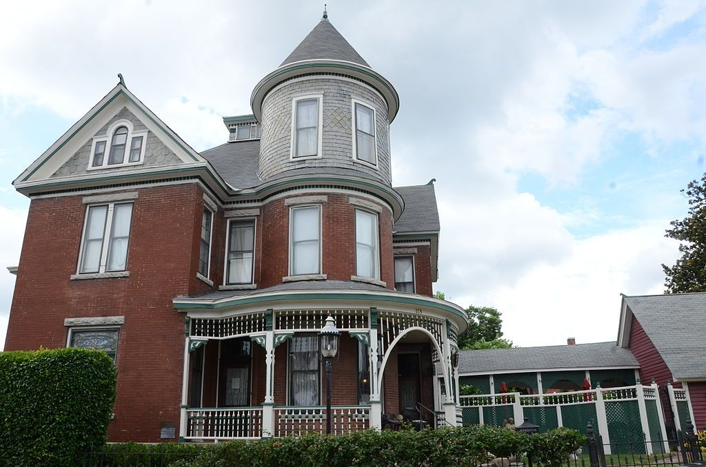 Baker House North Little Rock Arkansas Victorian Homes Victorian Porch House