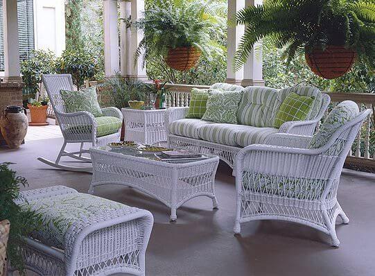 white wicker patio furniture wicker