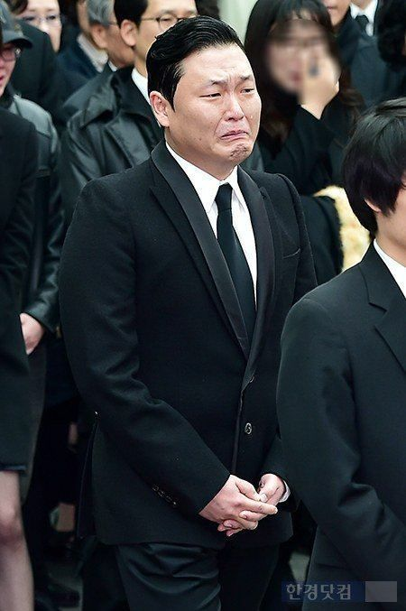 Heartbreaking Photos From Shin Hae Chul S Funeral Released Funeral Korean Idol Photo