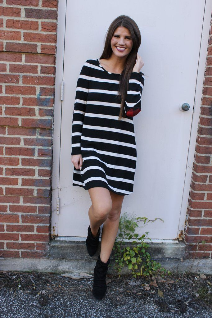 We love the stripe trend and especially in this adorable dress