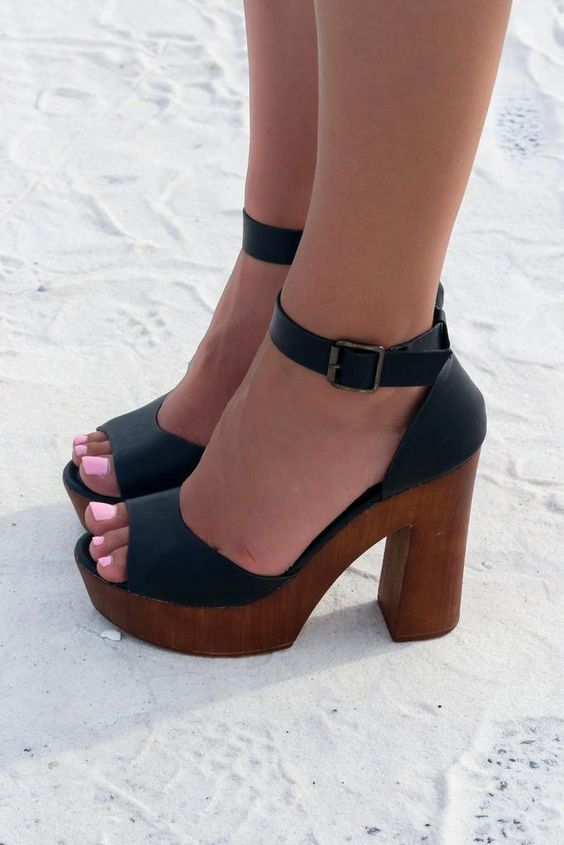 5a377bce9 36 Platform Sandals You Should Own | Women Shoes | Shoes, Shoe boots ...