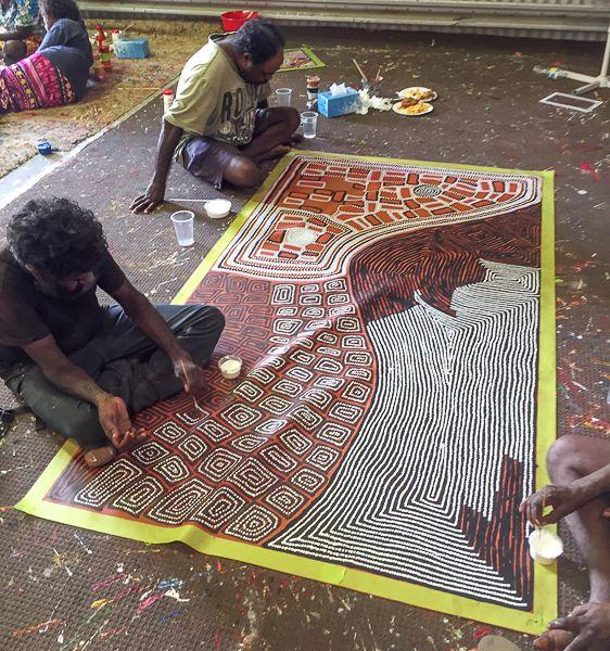 Our Studio   Mimi Art Gallery Tjapaltjarri Brothers – Walala, Thomas and Warlimpirrnga