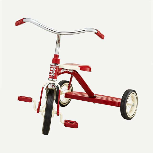 CLASSIC RED TRICYCLE by RADIO FLYER