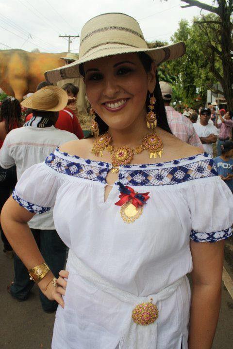 Pin de Elisabet Vargas en Blusas mujer en 2019 | Blusas