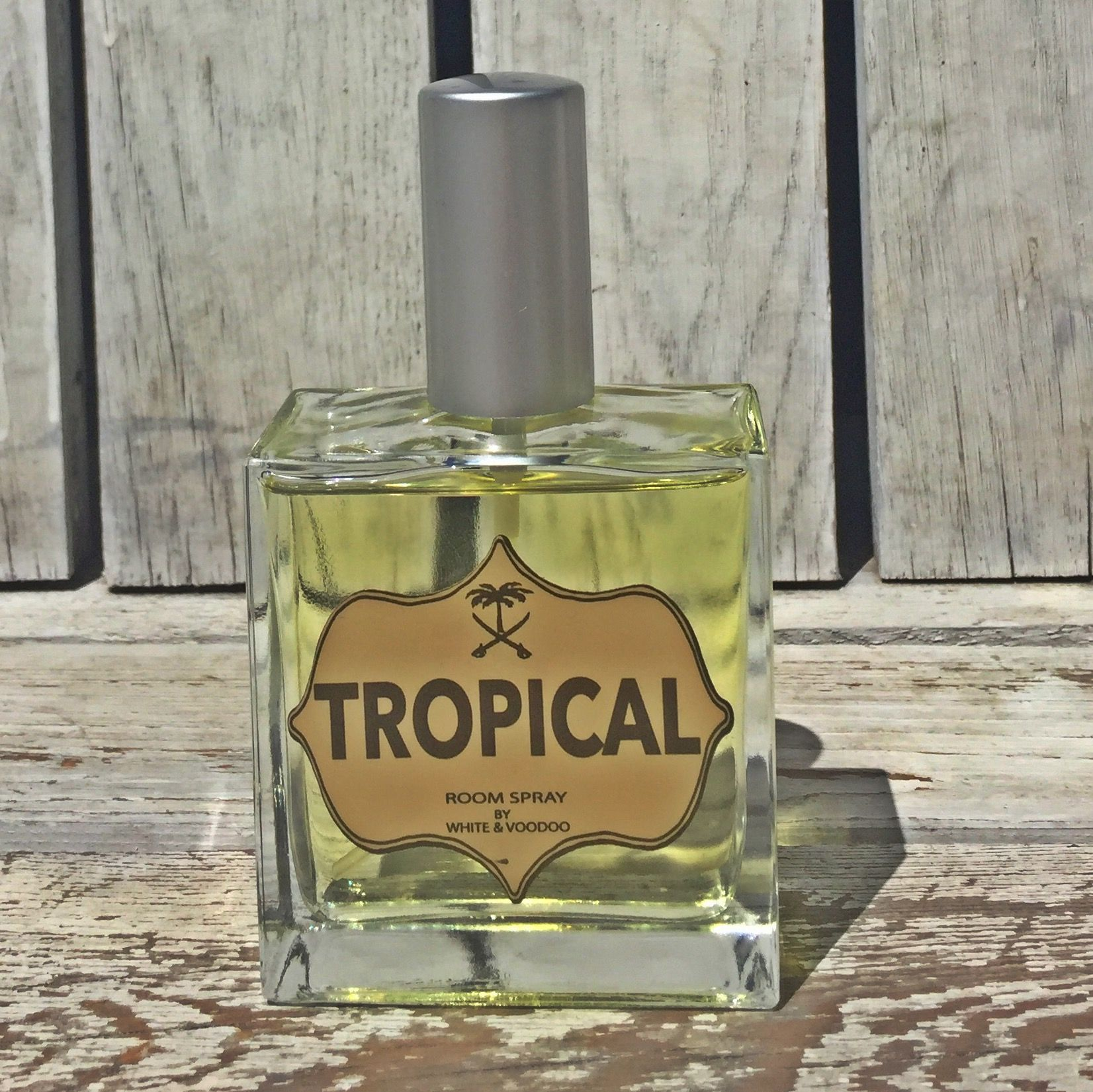 Bringing memories of a cocktail at the porch overlooking the road to the beach .... classic , intense , amazing .  www.nostoreonline.com Luxury , fragrances, room spray