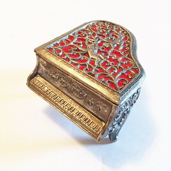 Great Vintage Condition!! Plays Raindrops Wood w Red Velvet Jewelry Box Vintage MUSICAL JEWELRY BOX Two Levels