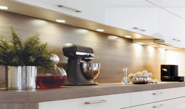 add a modern touch to your #kitchen with lighting under you ... - Schller Kche