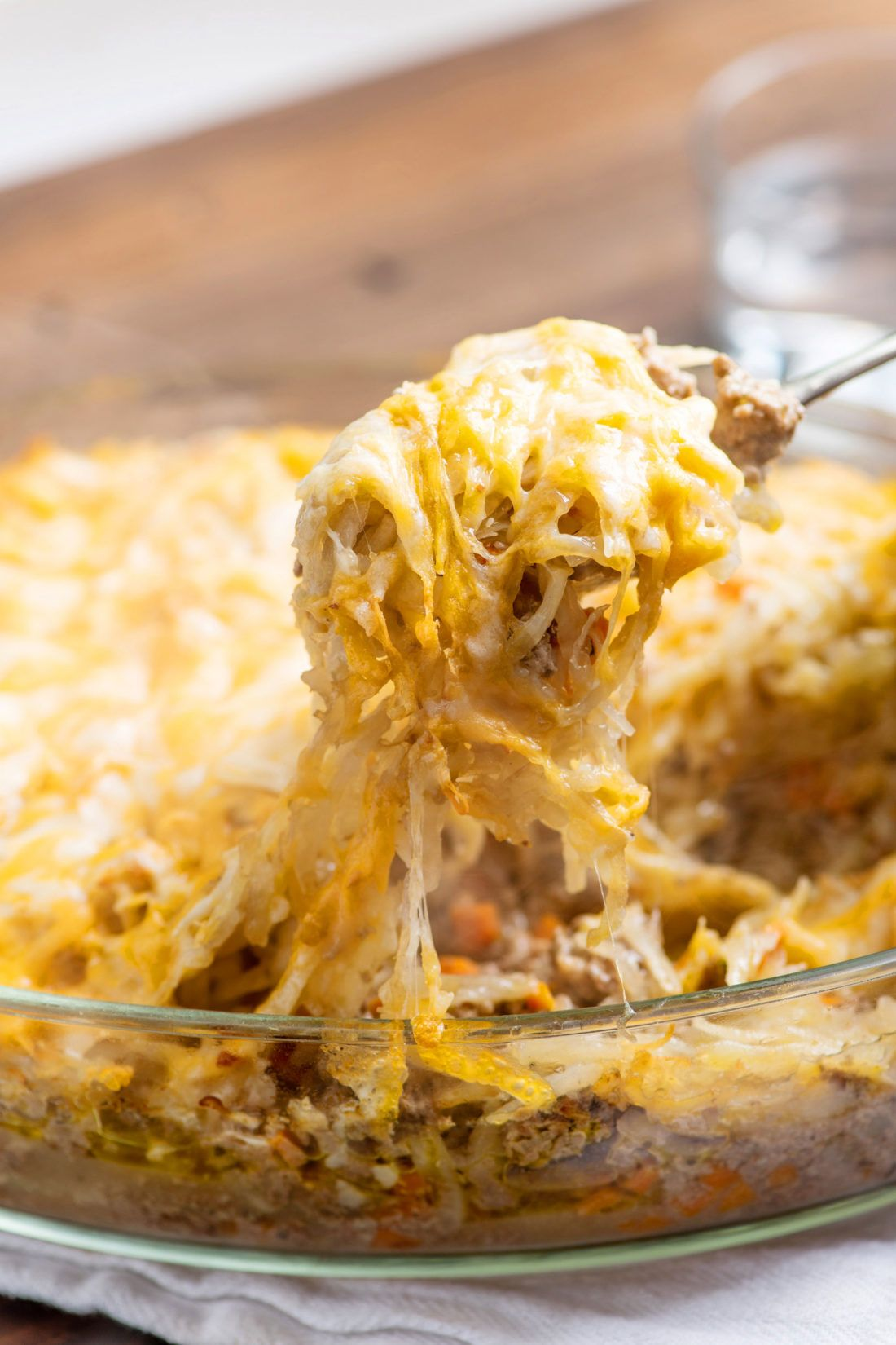 The Best Cheesy Ground Beef And Hash Brown Casserole In 2020 Hash Brown Casserole Casserole Recipes Beef And Potatoes