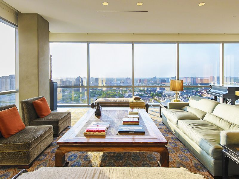 Room with a view - a sky-high view of Uptown Dallas, that is!  (1717 Arts Plaza 1915, Uptown Dallas)a