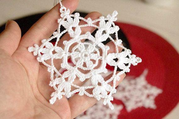 Häkeln Schneeflocke hängende Ornamente Winter Dekorationen Ornamente weiß häkeln häkeln Schneeflocken handgefertigte Ornamente Lace Schneeflocke