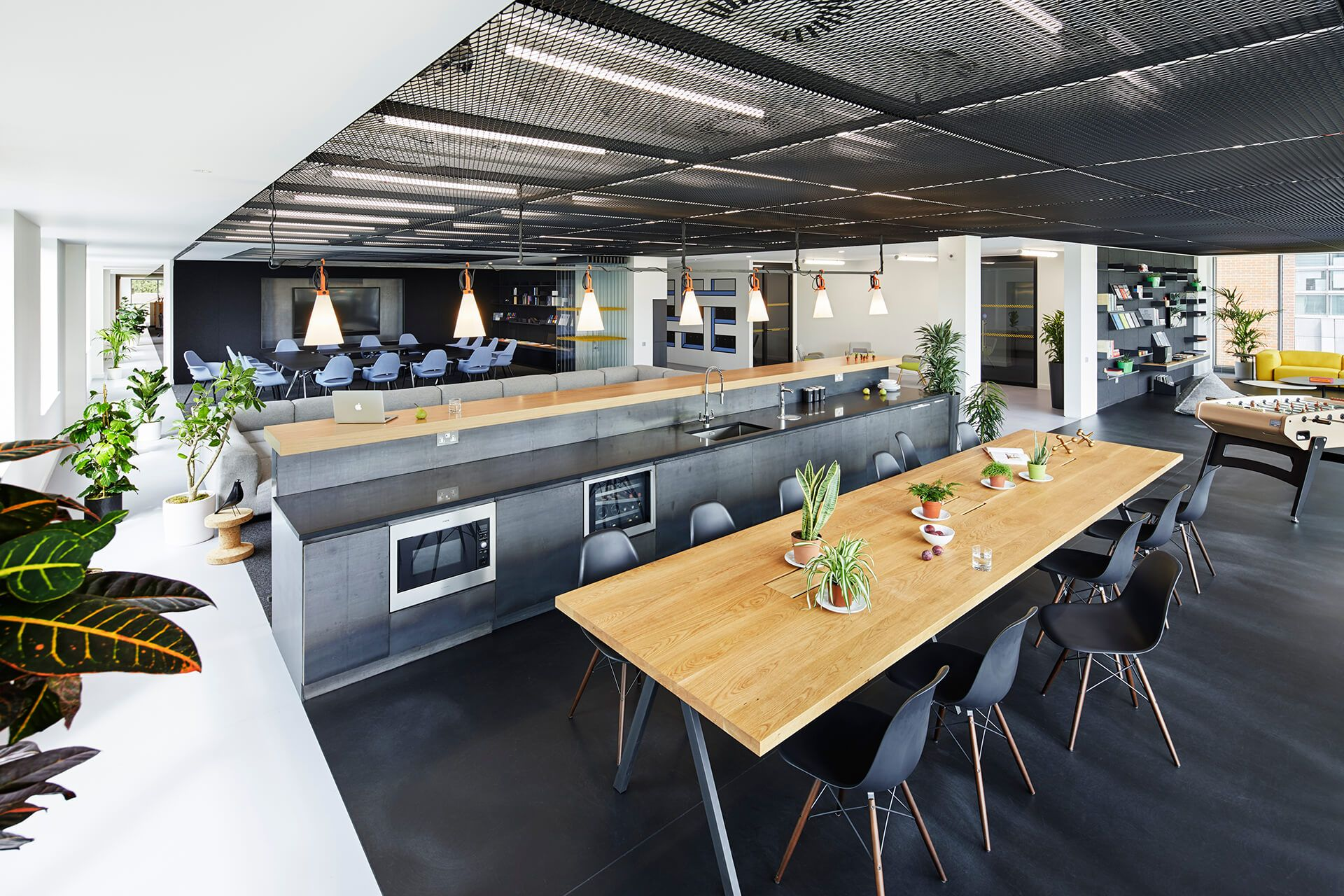 Employees give meaning to hyundai capital s uk hq spaces for Office design meaning