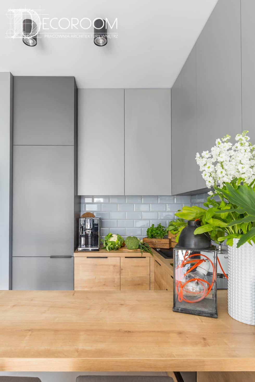 Kawalerka Dla Singla Pracownia Architektury Wnetrz Decoroom Nowoczesna Kuchnia Szary Homify Home Decor Kitchen Kitchen Design Small Kitchen Decor