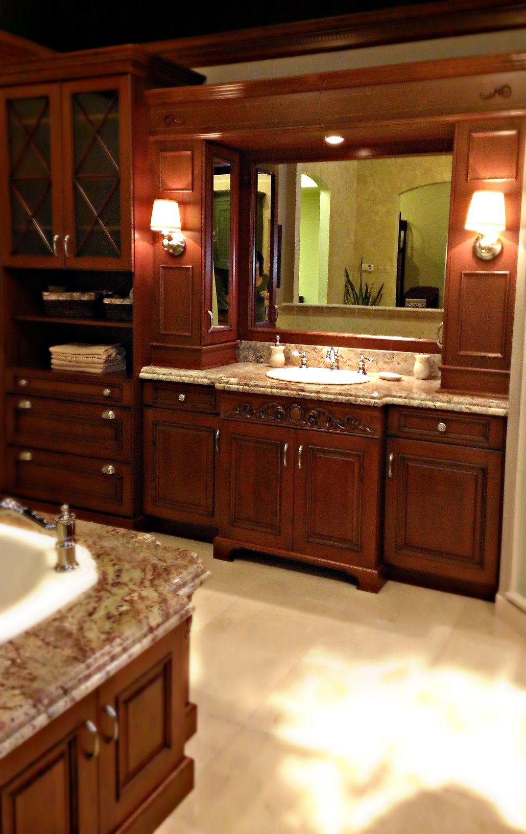Best Master Bathroom Design With Hardwood Cabinets Kenwood 400 x 300