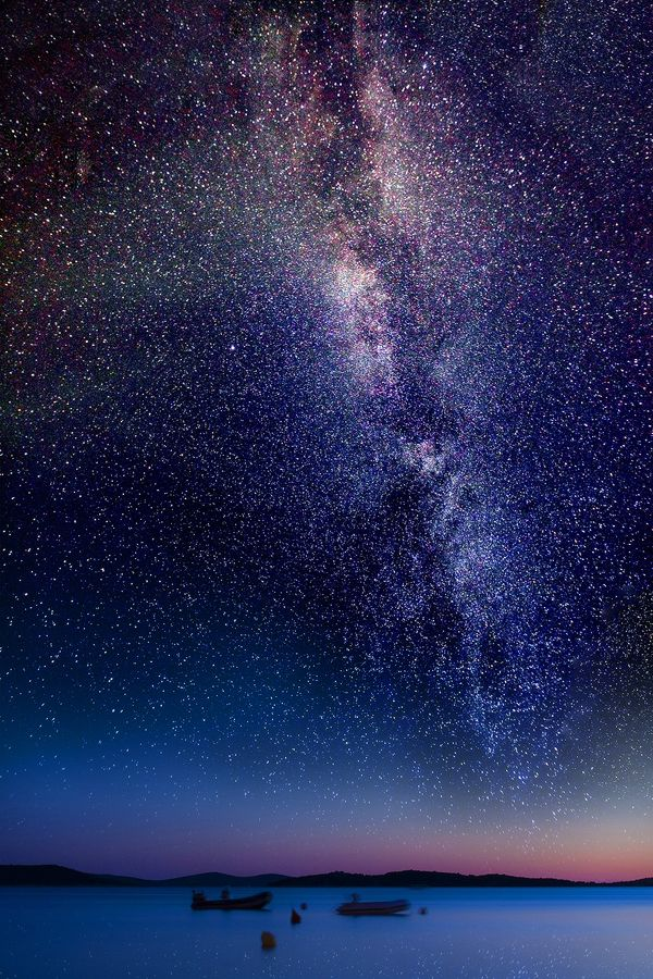No joke -- This is what it looks like here from the beach at night!  We'll show you how you cuddle up under this starry canopy for a blissful vacation or have a love affair with the Milky Way on a more permanent basis.  bigislandreale.com    (thanks ...srima II... by *roblfc1892 on deviantART)