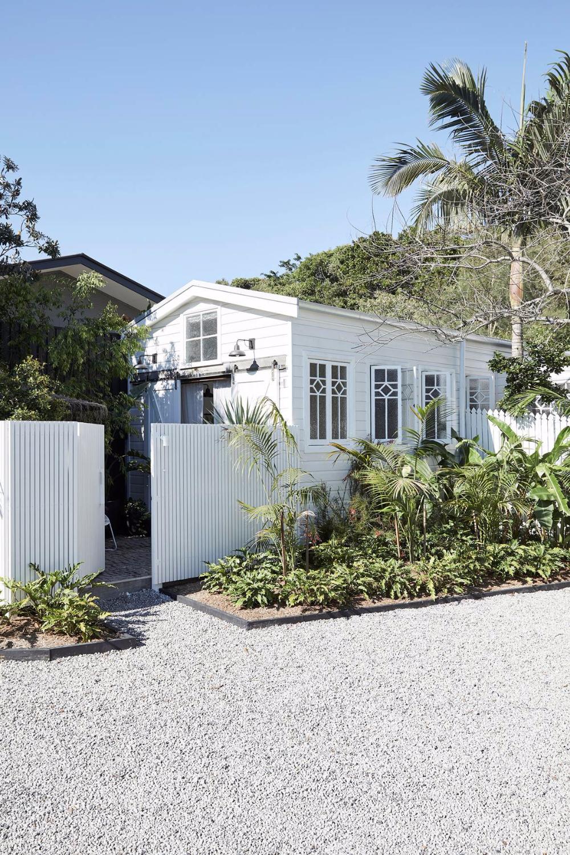 8 Best Beach House Decorating Ideas Beach House Decor Coastal Style Coastal Style Bathroom