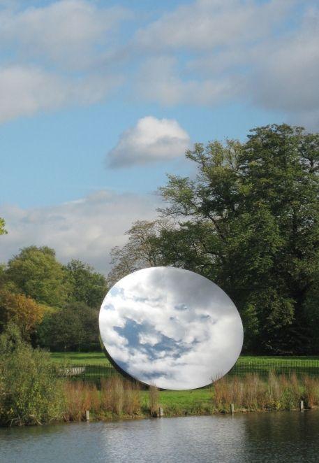 ANISH KAPOOR Sky Mirror