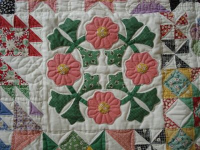 Bee In My Bonnet: Ode to the 1930's Quilt