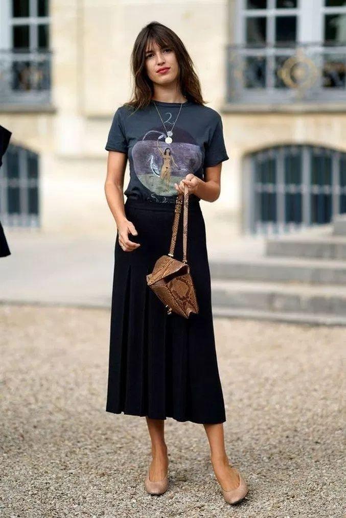 Classic black slip skirt ib yout wardrobe #trendystreetstyle