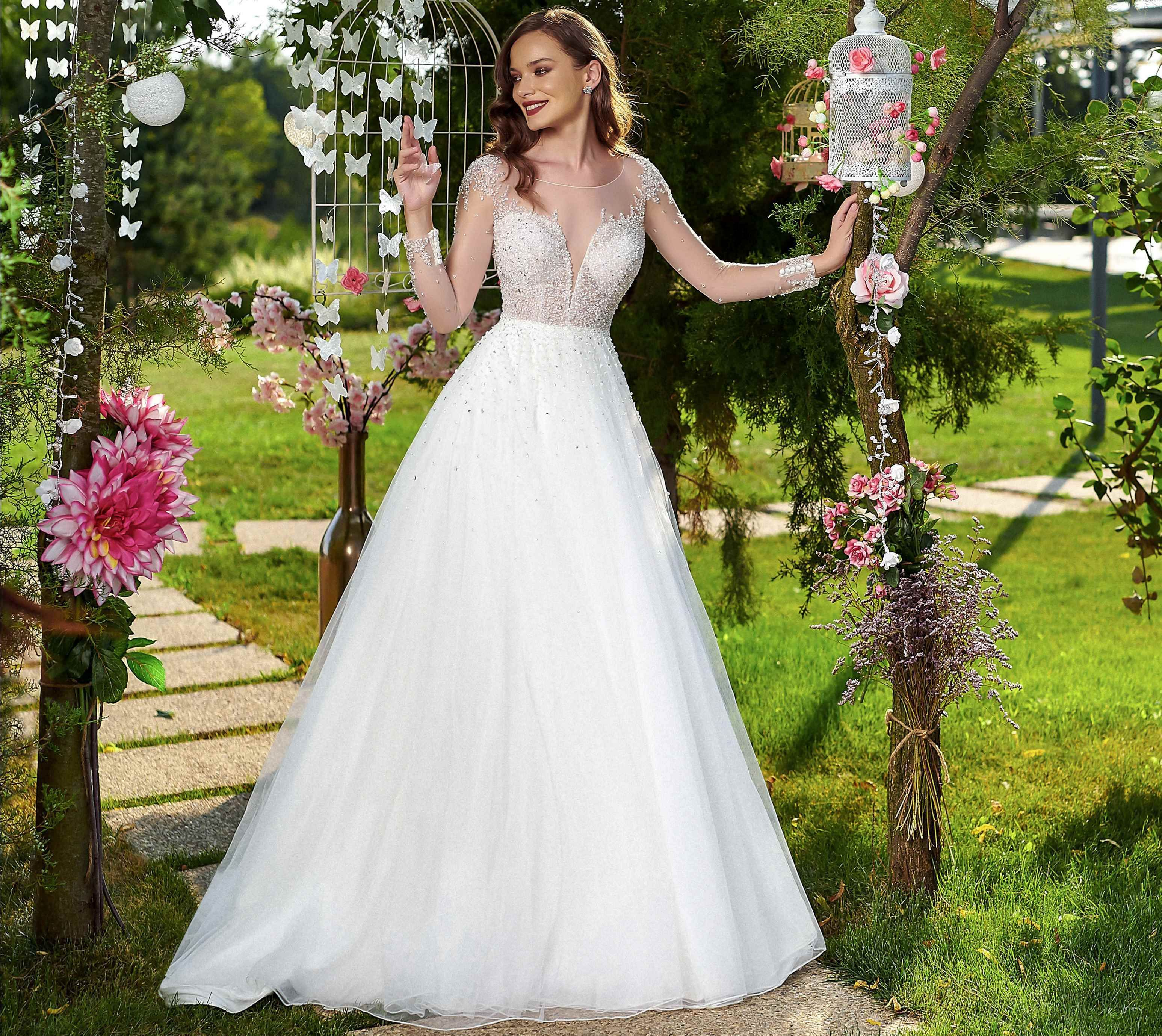 Wedding Dress Lorelai Amanda Di Velli Wedding Dresses Wedding Gowns Dresses [ 2757 x 3093 Pixel ]