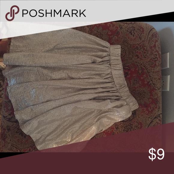 Aeropostale gold skirt Xs lightweight skirt gold nwot Aeropostale Skirts Mini