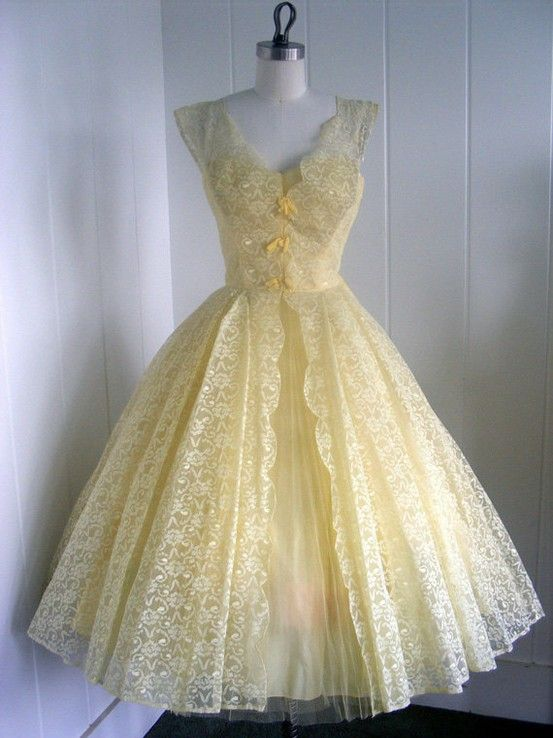 Pale Yellow Vintage Dress Must Have All The Yellow Dresses Vintage Dresses Lace Homecoming Dresses Tulle Party Dress