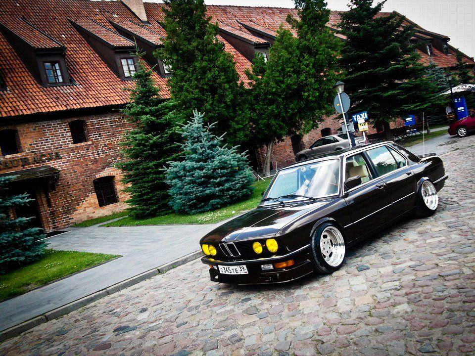 Nice Old School Bmw 5 Series Bmw E28 Bmw Bmw Classic Cars